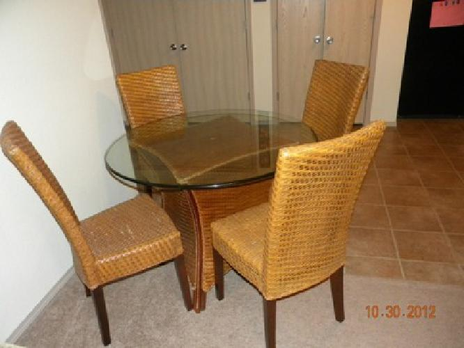 325 Pier One Dinning Table And 4 Chairs For Sale In