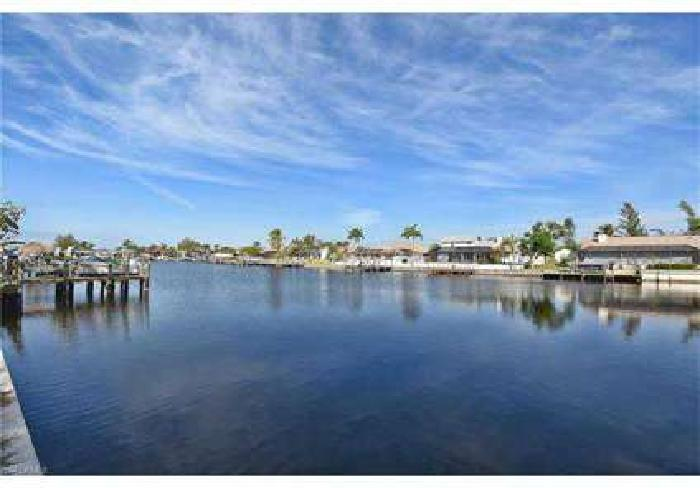 3303 SW 8th ST Cape Coral, BUILD YOUR DREAM HOUSE HERE!!