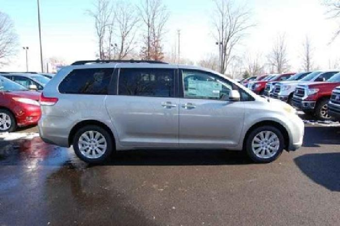 $34,324 2014 Toyota Sienna 5dr 7-Pass Van V6 LE AWD