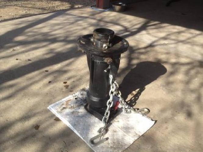 $350 5th Wheel to Gooseneck Adapter for sale in Visalia ...