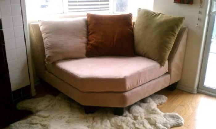 350 corner round back coach sofa must go for sale in los for Coach furniture
