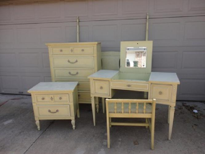 $350 Five piece bedroom set for sale in Fayetteville