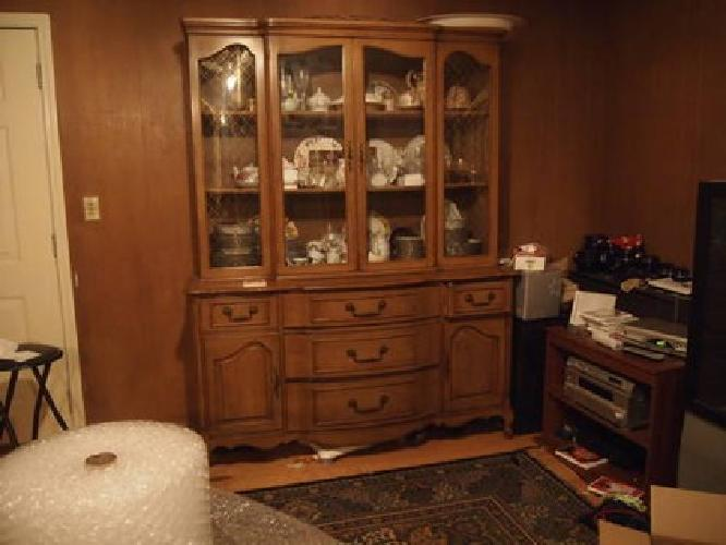 350 old dining room hutch for sale in cleveland ohio for Dining room hutch for sale