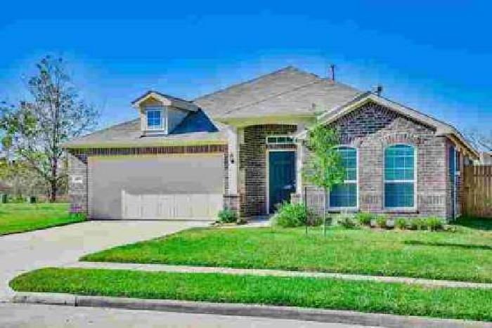 3519 Sunny Drive Baytown, Gorgeous Home!!! Three BR with 2