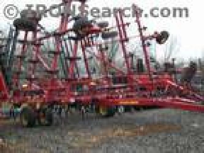 $35,000 Sunflower 2005 Field Cultivator