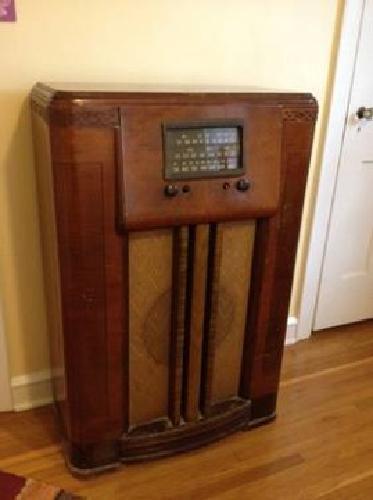35 1940 S Farnsworth Art Deco Console Radio For Sale In