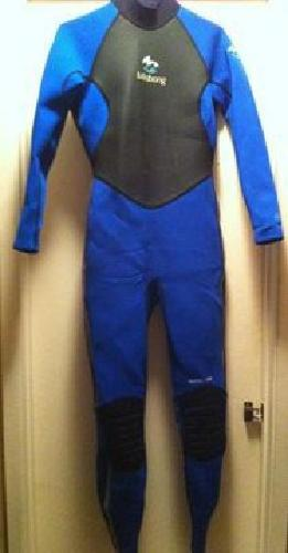 $35 OBO Womens Billabong Wetsuit FOR SALE