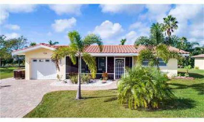 3752 SW 1st PL Cape Coral Two BR, Charming Gulf Access home
