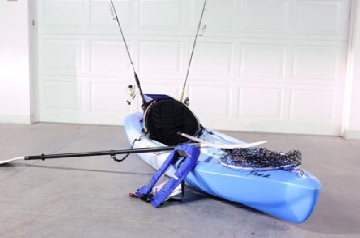395 10ft Mainstream Jazz Kayak Rigged For Fishing Inc