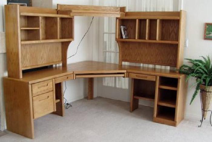 395 Large Oak Corner Desk W Keyboard Tray Shelves