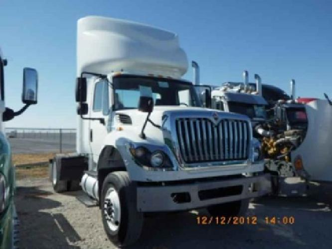 $39,900 2011 International 7600 WORKSTAR Single Axle Daycab