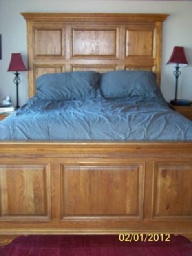 3 000 Keller Solid Oak Queen Bedroom Set For Sale In
