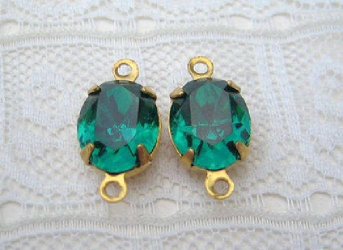$3 10x8 Emerald Oval Swarovski Rhinestone in Brass