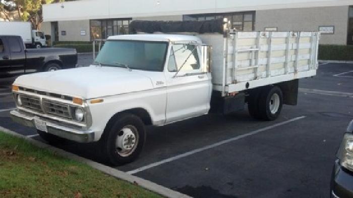 Xxxx ford 1 ton dump truck351 8 cyl 40 k mi rebuilt engine4 spd man