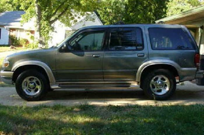 3 250 1999 ford explorer eddie bauer edition 3250 southside in for sale in indianapolis. Black Bedroom Furniture Sets. Home Design Ideas