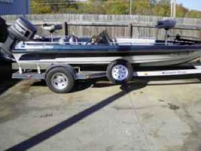 $3,500 1989 RANGER 373V Dual Console Bass Boat w/ 1989