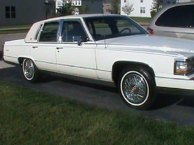 3 500 1992 cadillac fleetwood brougham d 39 elegance for sale in oswego illinois classified. Black Bedroom Furniture Sets. Home Design Ideas