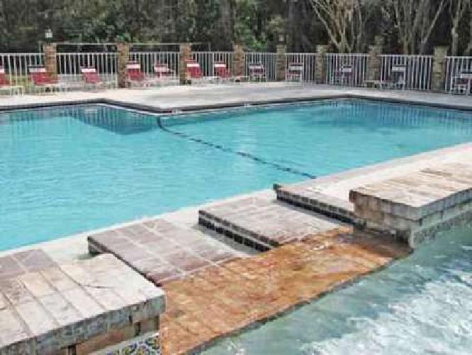 3 Beds - Cypress Lake Apartments