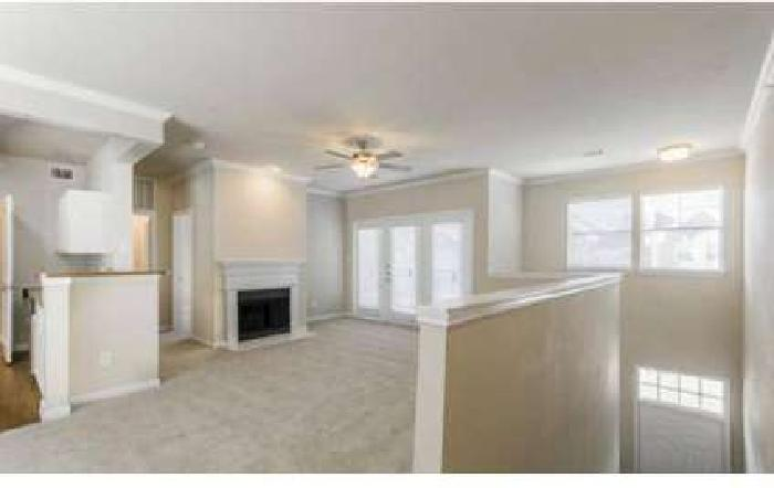 3 Beds - The Lincoln at Towne Square Apartments