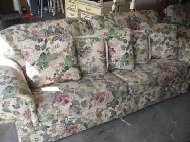 400 Floral Sofa Sleeper Amp Loveseat Like New Just