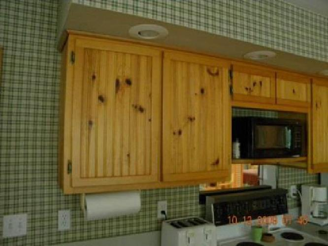 knotty pine kitchen cabinets for sale 400 knotty pine kitchen cabinets for in peoria 9644