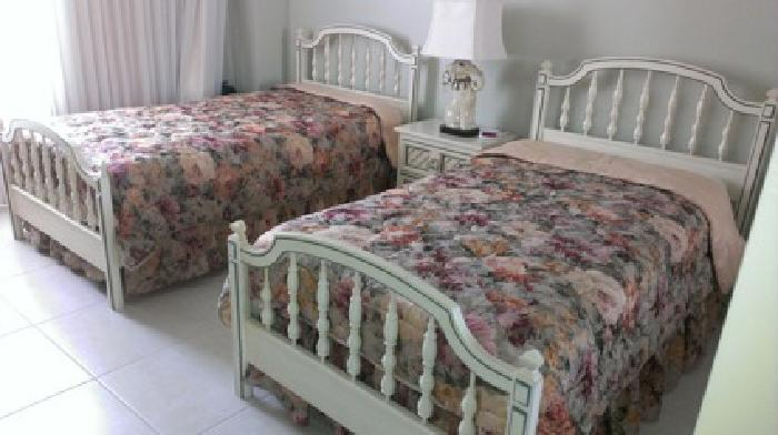 Twin Bedroom Sets on 400 Obo Vintage Dixie Twin Bedroom Set For Sale In Miami  Florida