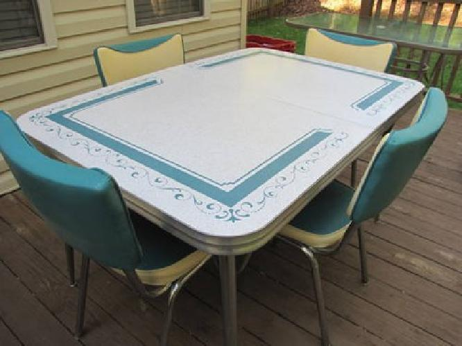400 Vintage Kitchen Formica Table 4 Chairs Turquoise For
