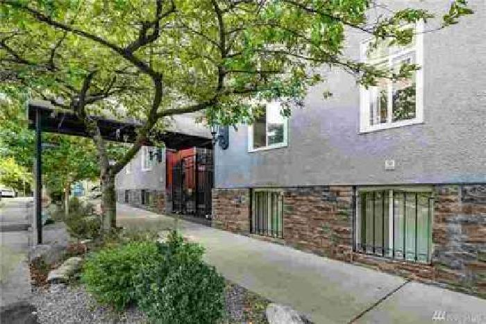 403 Terry Ave #2 Seattle, The most convenient condo you can