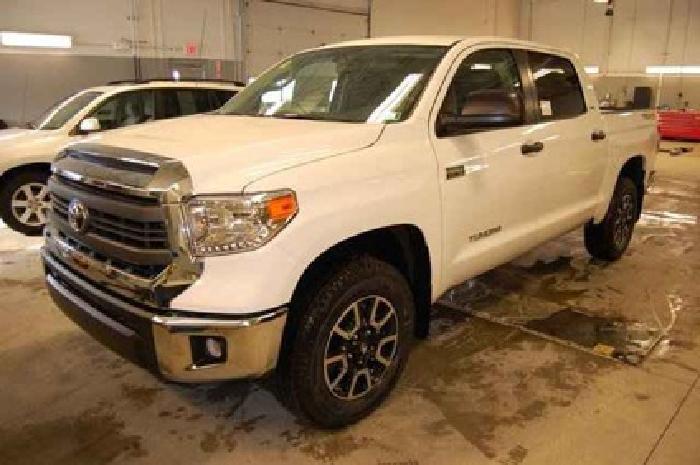 $40,890 2014 Toyota Tundra CrewMax 5.7L V8 6-Spd AT SR5