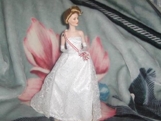 $40 Princess Grace porcelain doll from the Franklin Mint