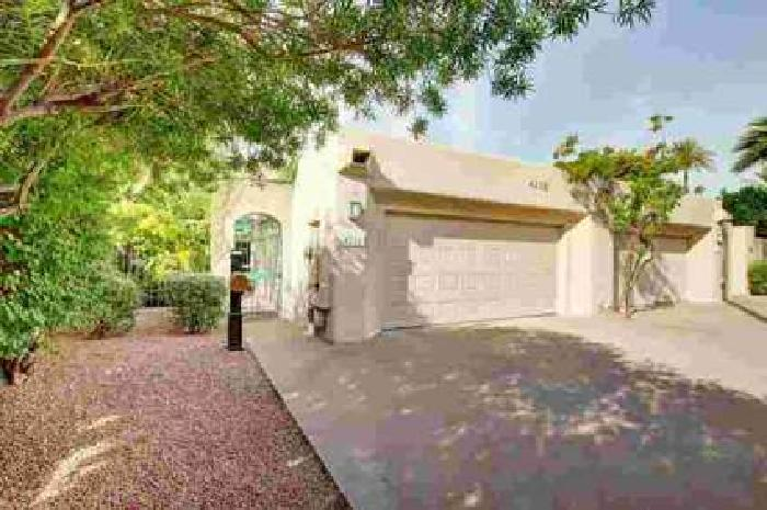 4238 N 44TH Street Phoenix Two BR, A WOW Townhome with over