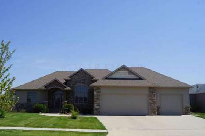 4460 BEACH Lane S Fargo, Wonderful PK built rambler home in