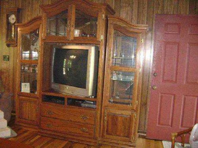 $450 3-Piece Oak Entertainment Center