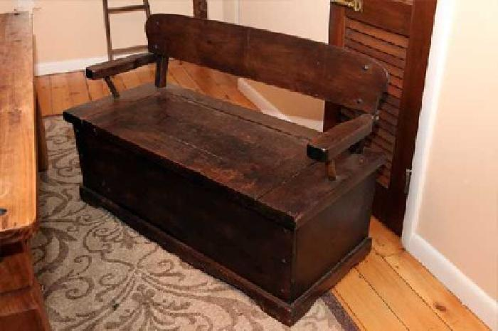 $450 ANTIQUE BENCH STORAGE love this piece, $450. [phone removed] Southbury, CT