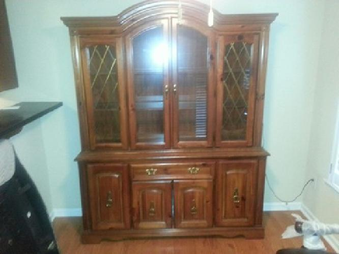 $450 OBO Broyhill Dining Table and Hutch