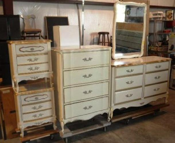 450 Obo French Provincial Queen Or Full Bedroom Set For