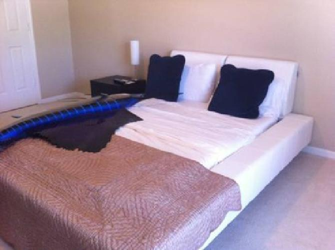 450 White Good Quality Platform Bed Full Size Tempurpedic