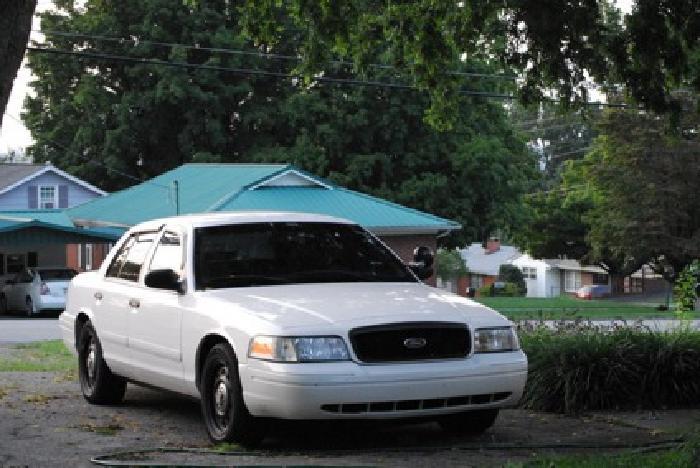 $4,300 OBO 2006 Ford Crown Victoria P71 Police Interceptor