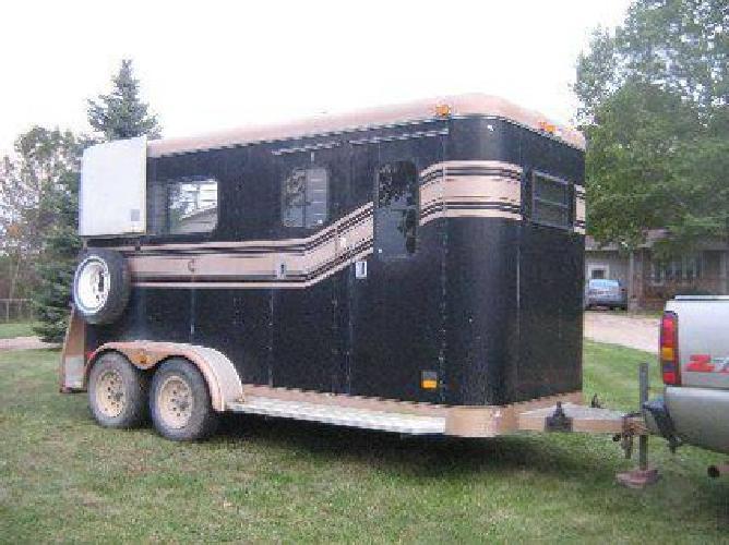 $4,300 Travelet Horse trailer