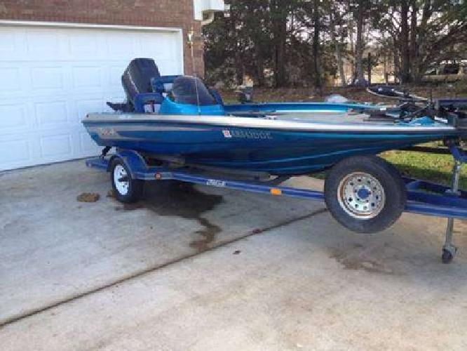 $4,500 Bass boat / ski boat for sale in Munford, Tennessee