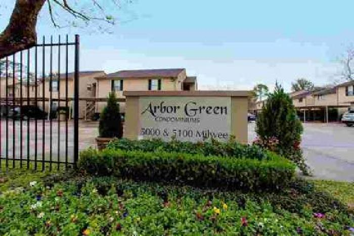 5000 Milwee Street 74 Houston Two BR, Come see this condo