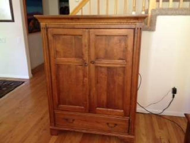 $500 Armoire (TV) Ethan Allen Country Crossings