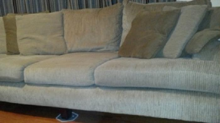 500 Corinthian Sofa Chair And Ottoman With Matching