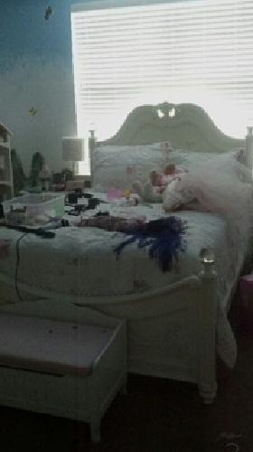 $500 full size princess bed and matress