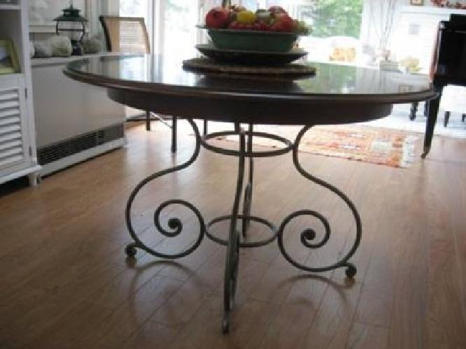 500 Hickory Chair Brand Oval Dining Table With Scroll