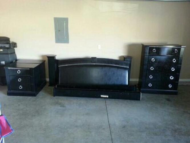 500 Obo Ashley Furniture King Size Bedroom Set For Sale In Springfield Missouri Classified