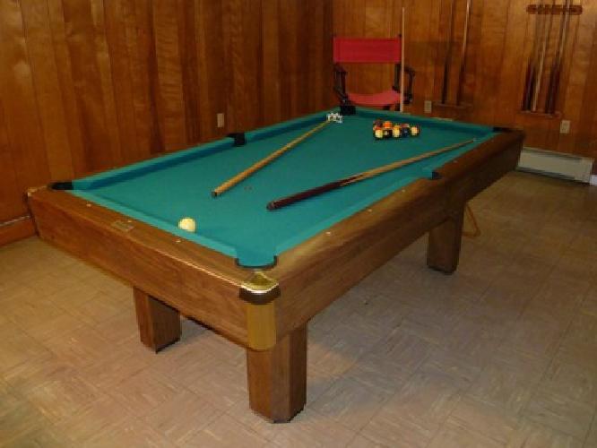 $500 OBO Bruswick Buckingham pool table