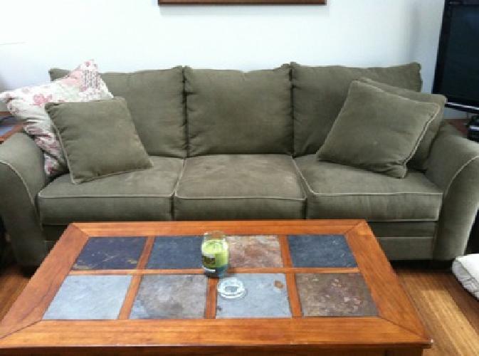 $500 OBO Full living room set & Bedroom set! MUST GO