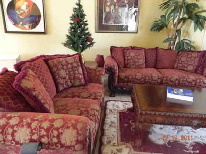 500 Sofa And Loveseat For Sale In The Villages Florida Classified