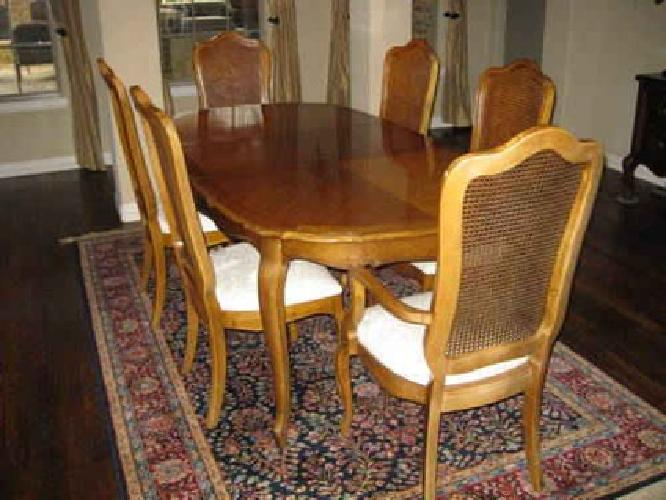 Superior $500 Thomasville Dining Table W/6 Chairs And China Hutch